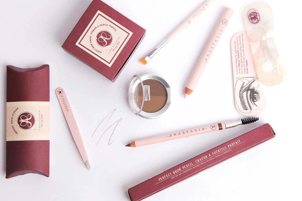 2000- First Brow Kit Launch